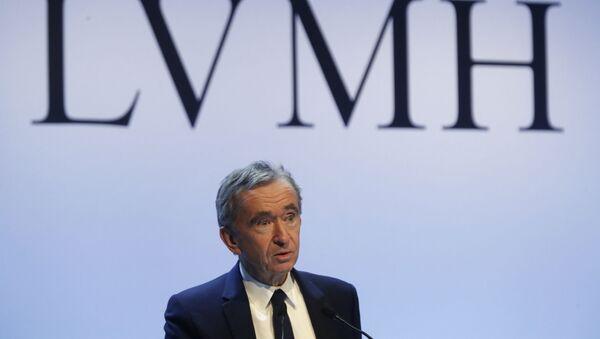 Bernard Arnault sur find du logo de LVMH - Sputnik France