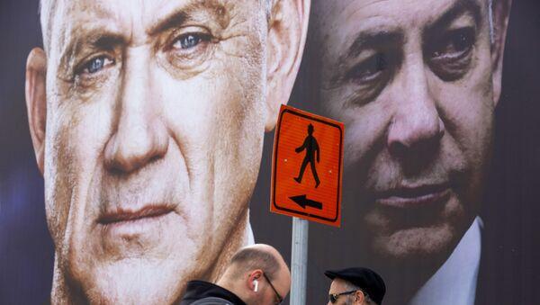 Panneau d'affichage de campagne électorale en Israël. Benny Gantz, à gauche, Benyamin Netanyahou à droite - Sputnik France