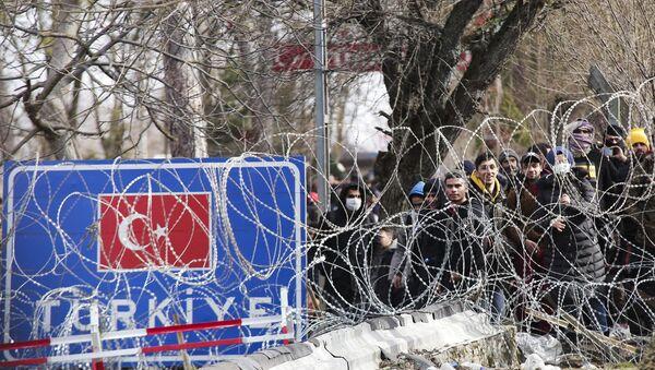 Des migrants amassés à Castanies, Évros, à la frontière gréco-turque - Sputnik France