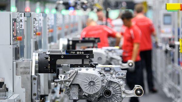 Fabrication de moteurs de voiture électrique en Allemagne - Sputnik France