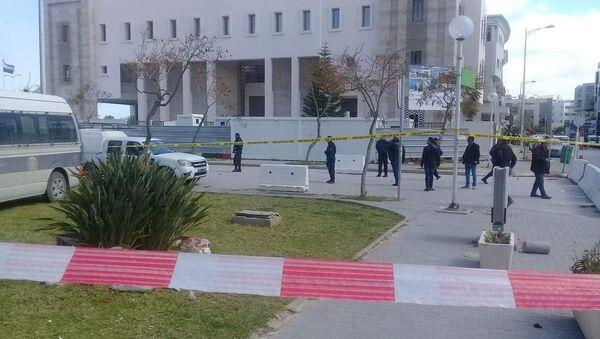 Sur les lieux de l'explosion dans le quartier de l'ambassade américaine à Tunis, 6 mars 2020 - Sputnik France