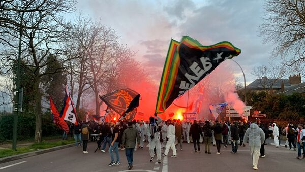 Des supporters à Paris  - Sputnik France