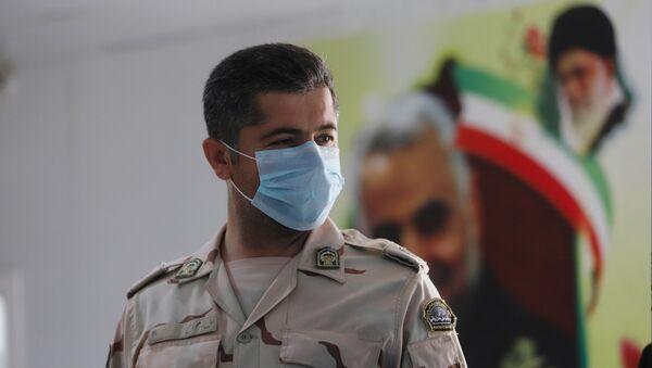 Policier iranien masqué - Sputnik France