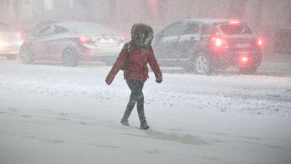 Chutes de neige sur Moscou en mars  - Sputnik France