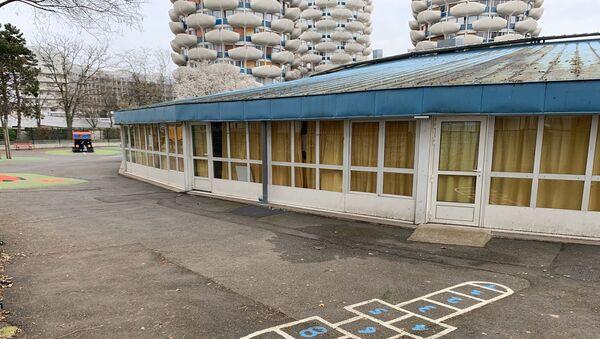 La cour d'une école désertée  - Sputnik France