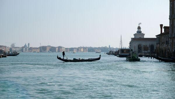 Панорама на опустевшие каналы в Венеции, Италия - Sputnik France