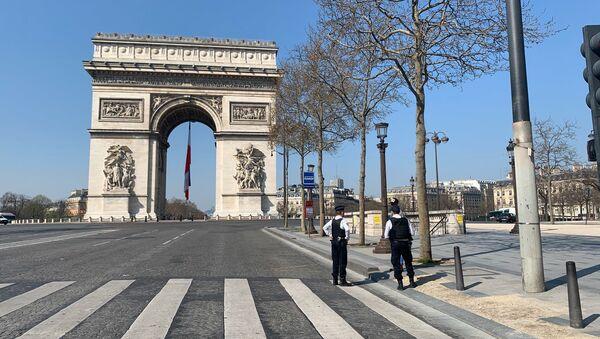 Les rues de Paris désertées lors de la troisième journée de confinement, 19 mars 2020 - Sputnik France