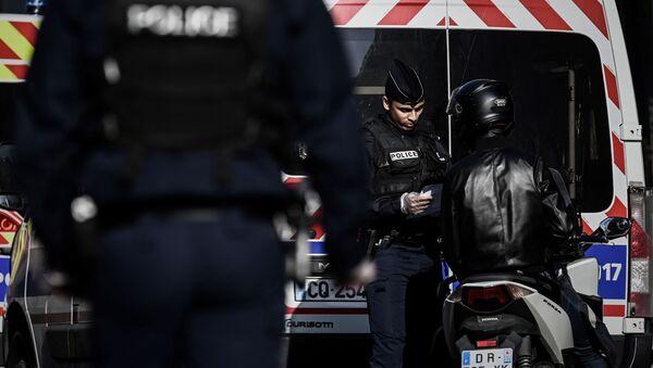 Covid-19 : contrôle de Police - Sputnik France