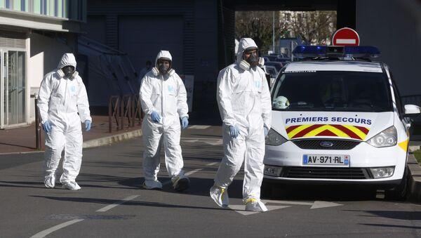 Des membres du personnel médical à l'hôpital Henri Mondor, à Créteil (mars 2020) - Sputnik France