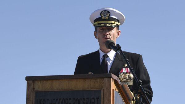 Capitaine Brett Crozier à bord du navire USS Theodore Roosevelt - Sputnik France