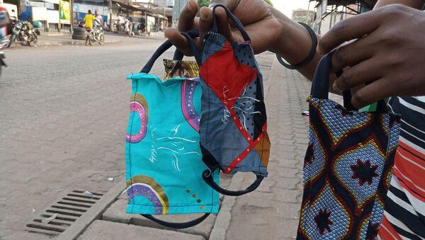 Les masques de protection du styliste Saint-Addy, au Togo. - Sputnik France