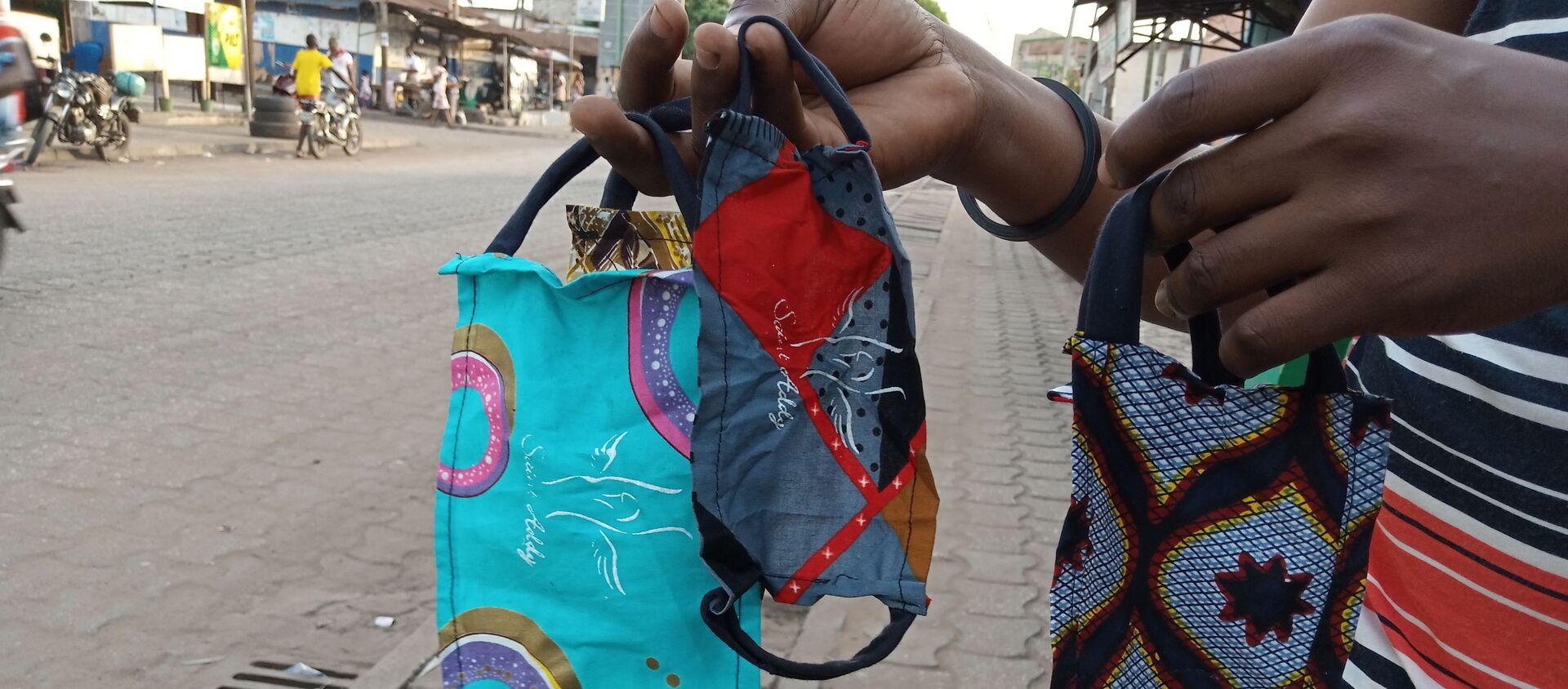 Les masques de protection du styliste Saint-Addy, au Togo. - Sputnik France, 1920, 05.02.2021