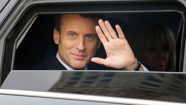 Le Président Macron en voiture - Sputnik France