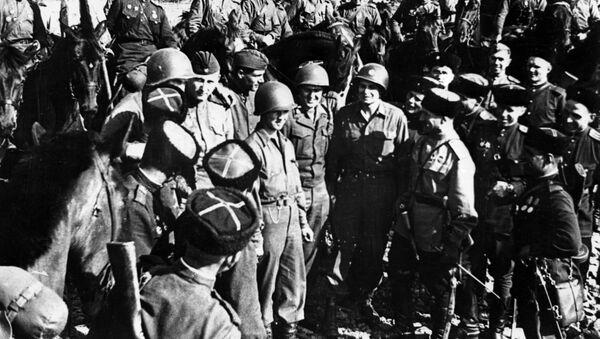 Jonction des troupes soviétiques et américaines sur l'Elbe, avril 1945 - Sputnik France