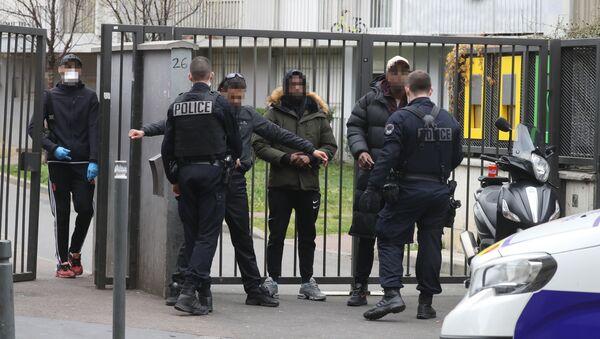 Confinement: contrôle de police dans le 93 - Sputnik France