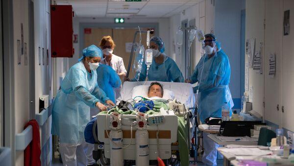 Un patient transféré en soins intensifs le 17 avril 2020 à Mulhouse (illustration). - Sputnik France