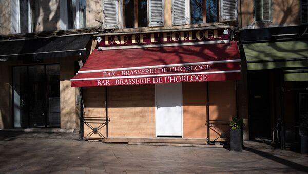 Un bar fermé dans le centre d'Aix-en-Provence - Sputnik France