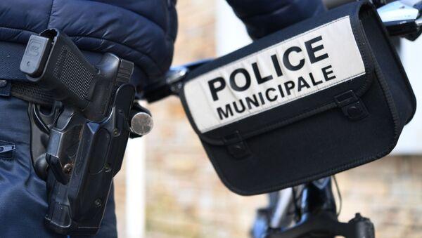 Un policier - Sputnik France