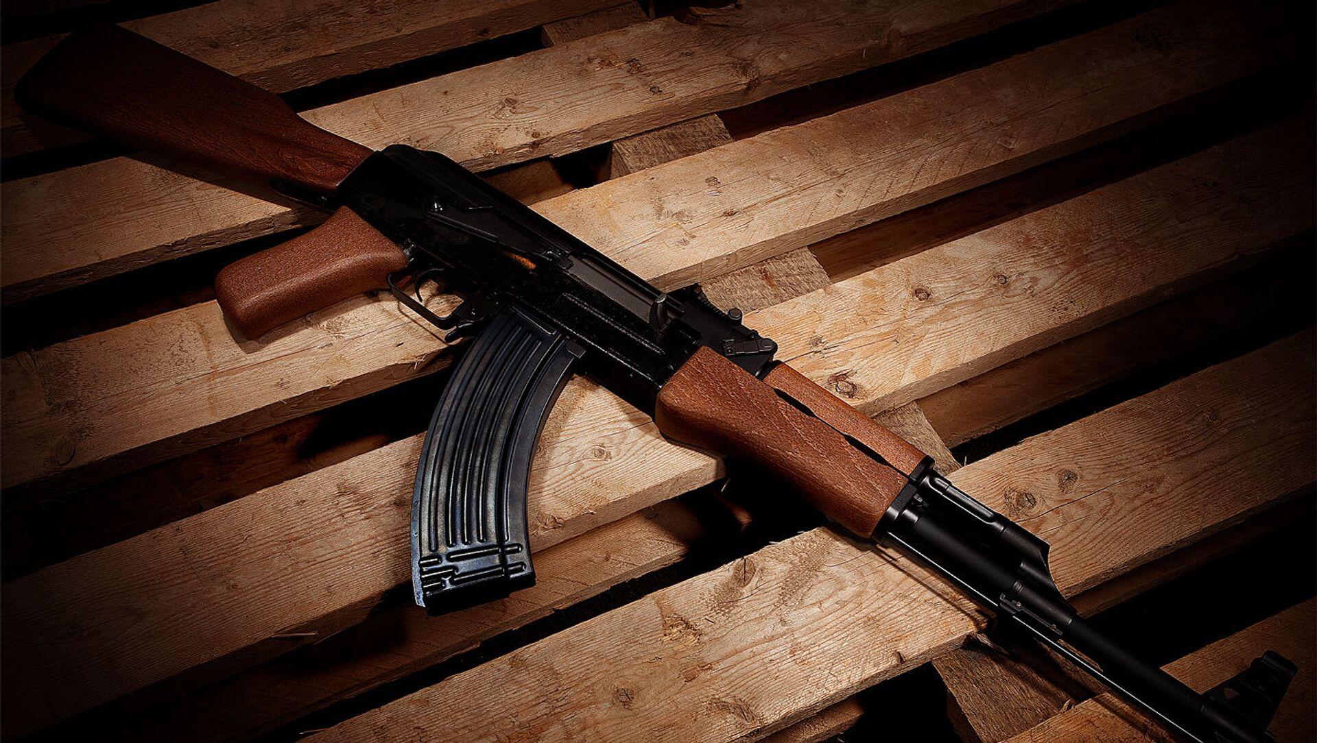 Fusil d'assaut AK-47 (image d'illustration) - Sputnik France, 1920, 05.09.2021