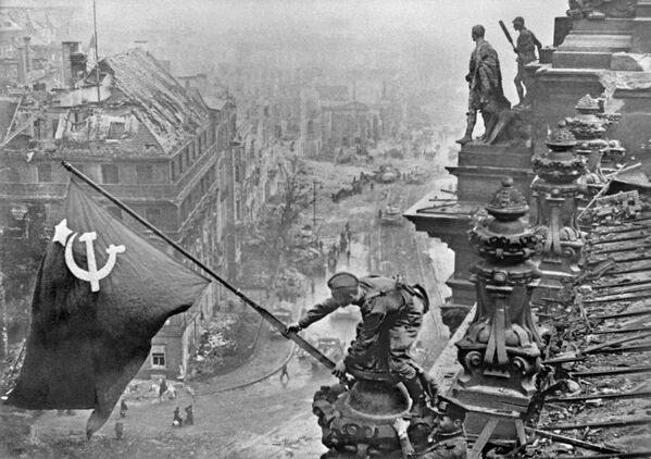 Dans l'objectif des correspondants de guerre   - Sputnik France