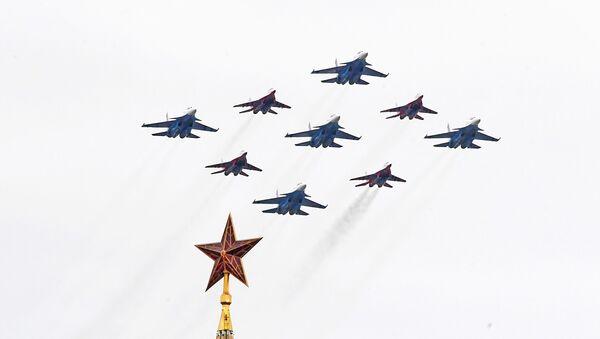 Parade aérienne pour le 75e anniversaire de la fin de la Seconde Guerre mondiale, le 9 mai 2020 - Sputnik France