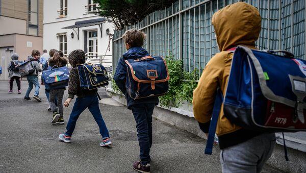La rentrée dans une école française après le confinement - Sputnik France