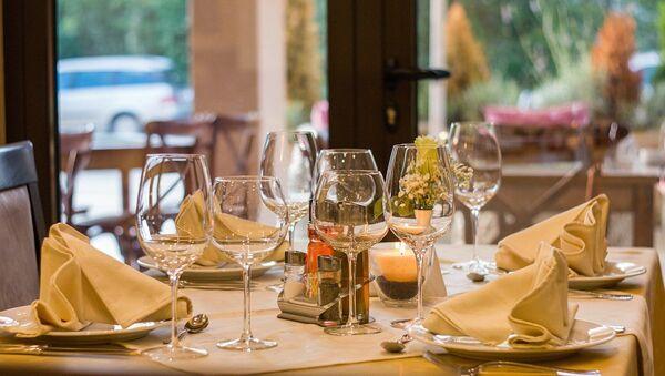 Au restaurant - Sputnik France