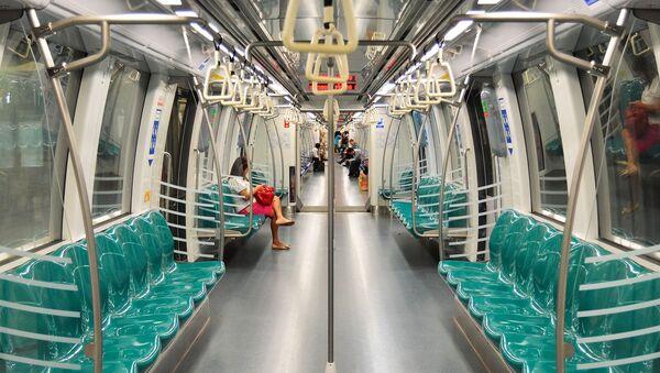 Les passagers dans le métro  - Sputnik France