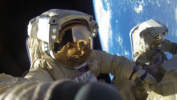 Cosmonautes russes Antov Skhaperove et Alexandr Misourkine  - Sputnik France