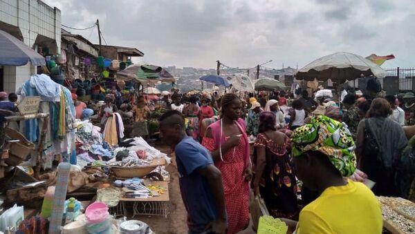 Scène de vie au marché de Yaoundé, Cameroun - Sputnik France