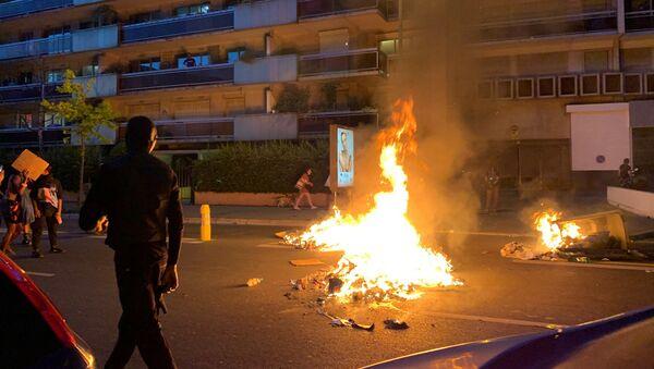 Tensions lors de la manifestation Justice pour Adama Traoré à Paris, 2 juin 2020 - Sputnik France