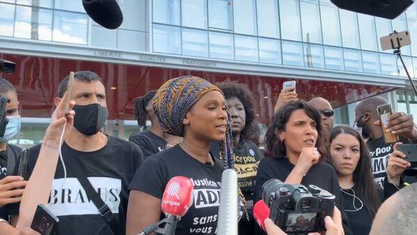 Assa Traoré lors de la manifestation Justice pour Adama Traoré, 2 juin 2020 - Sputnik France