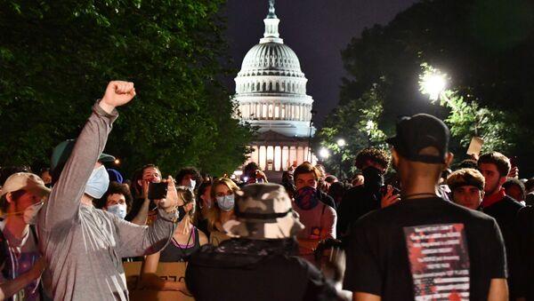 Une manifestation contre les violences policières à Washington - Sputnik France