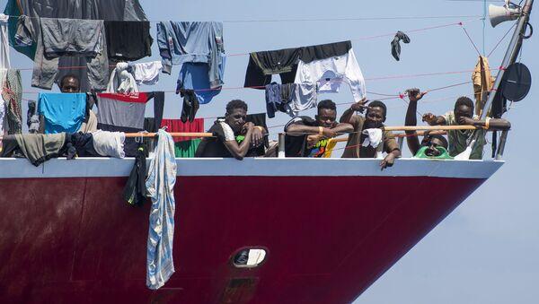 Bateau de migrants au large de Malte - Sputnik France
