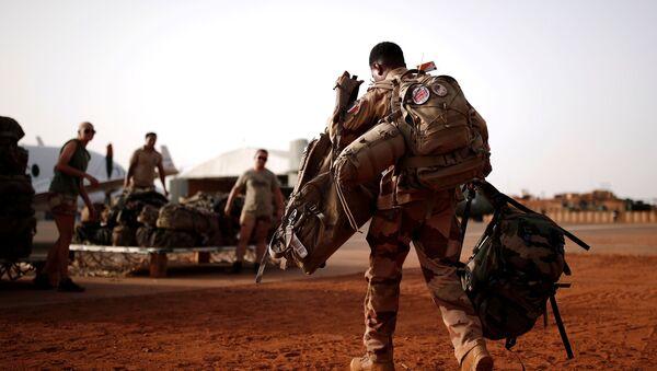 un militaire français à Mali - Sputnik France