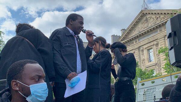 Hommage solennel à George Floyd à Paris, le 9 juin - Sputnik France