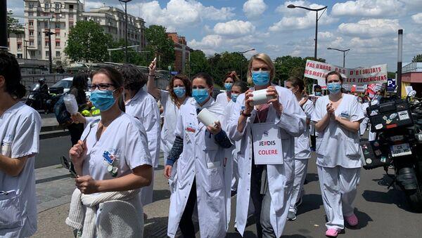 Action du personnel soignant à l'hôpital Robert-Debré, 11 juin 2020 - Sputnik France
