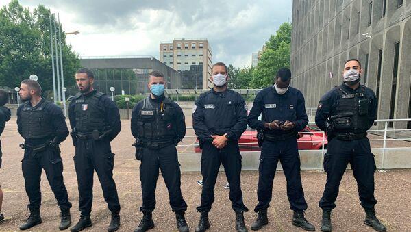 Action des policiers devant les commissariats, le 11 juin - Sputnik France