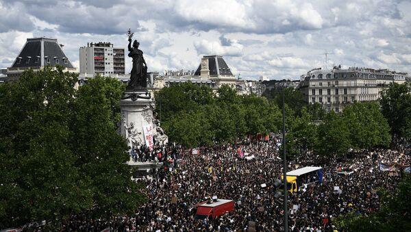 Nouvelle mobilisation contre le racisme et les violences policières à Paris, le 13 juin - Sputnik France