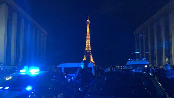 Action nocturne à Paris  - Sputnik France