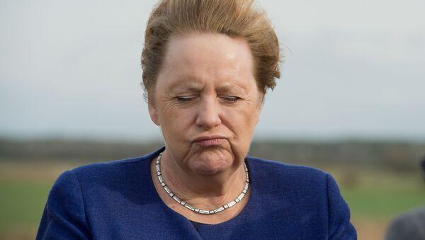 Lorsque le vent décoiffe des personnalités politiques   - Sputnik France