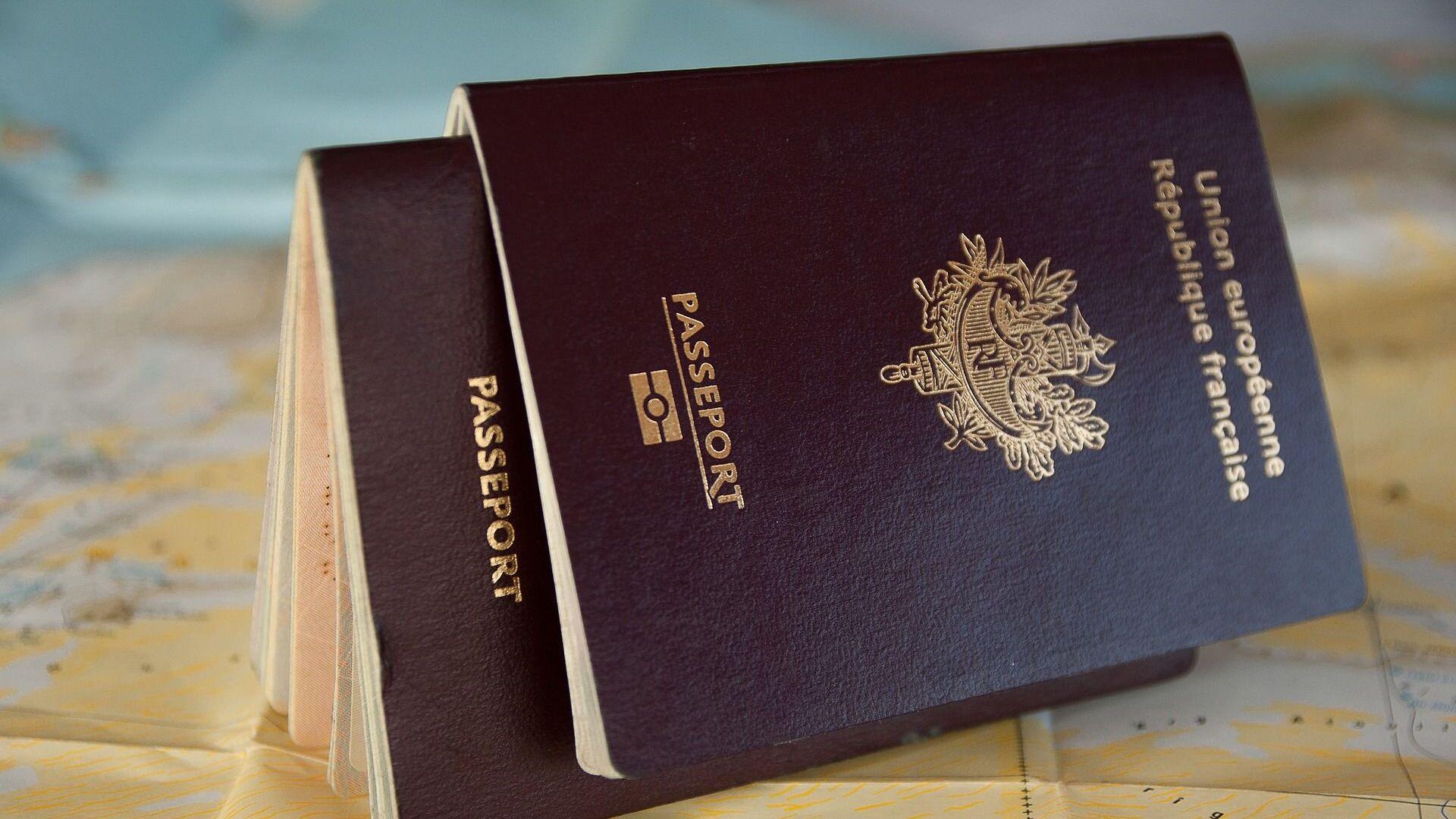 Un passeport français - Sputnik France, 1920, 06.10.2021