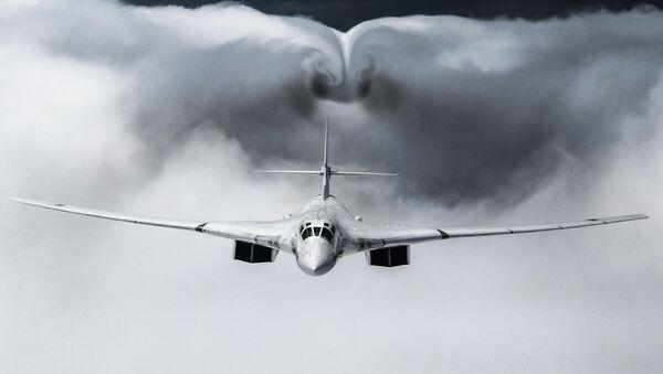 Le Tu-160, l'avion de combat russe le plus redoutable, selon Aviation Week & Space Technology  - Sputnik France