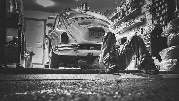 Réparation d'une voiture  - Sputnik France
