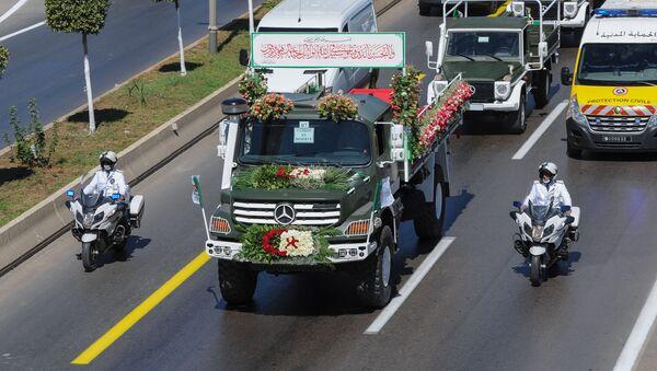 Le convoi transportant les cercueils de 24 résistants anticoloniaux algériens remis par la France à l'Algérie - Sputnik France