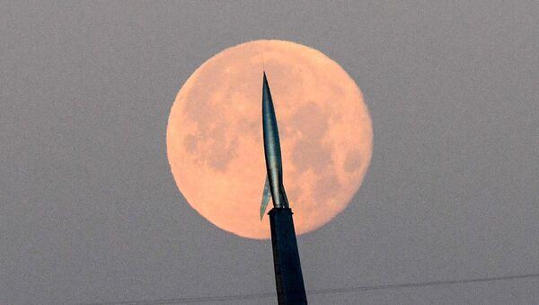 La «lune du tonnerre» vue des quatre coins du monde   - Sputnik France