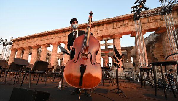 Concert de l'amitié italo-syrienne dans les ruines de Paestum   - Sputnik France