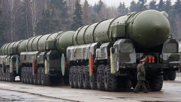 Les missiles stratégiques Topol  - Sputnik France