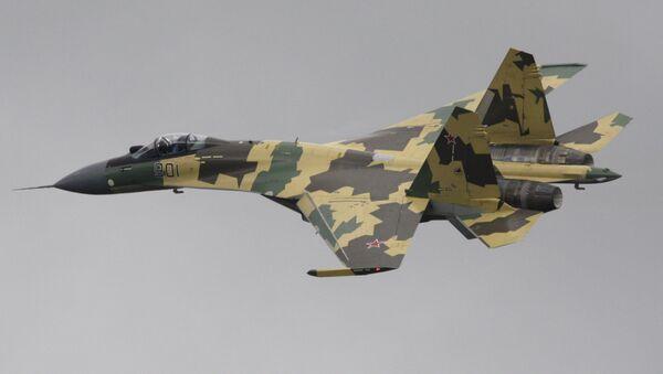 Chasseur russe Su-35: première présentation mondiale au Bourget en juin 2013 - Sputnik France