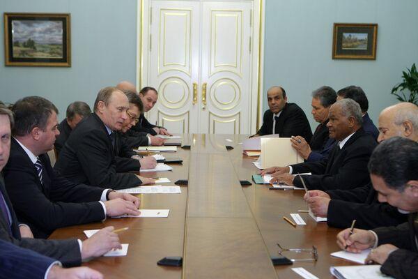 Russie-Libye: la coopération militaire et économique au menu d'une rencontre Poutine-Jaber - Sputnik France